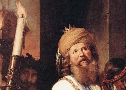 Rey David al poder político, junto a personas siniestras